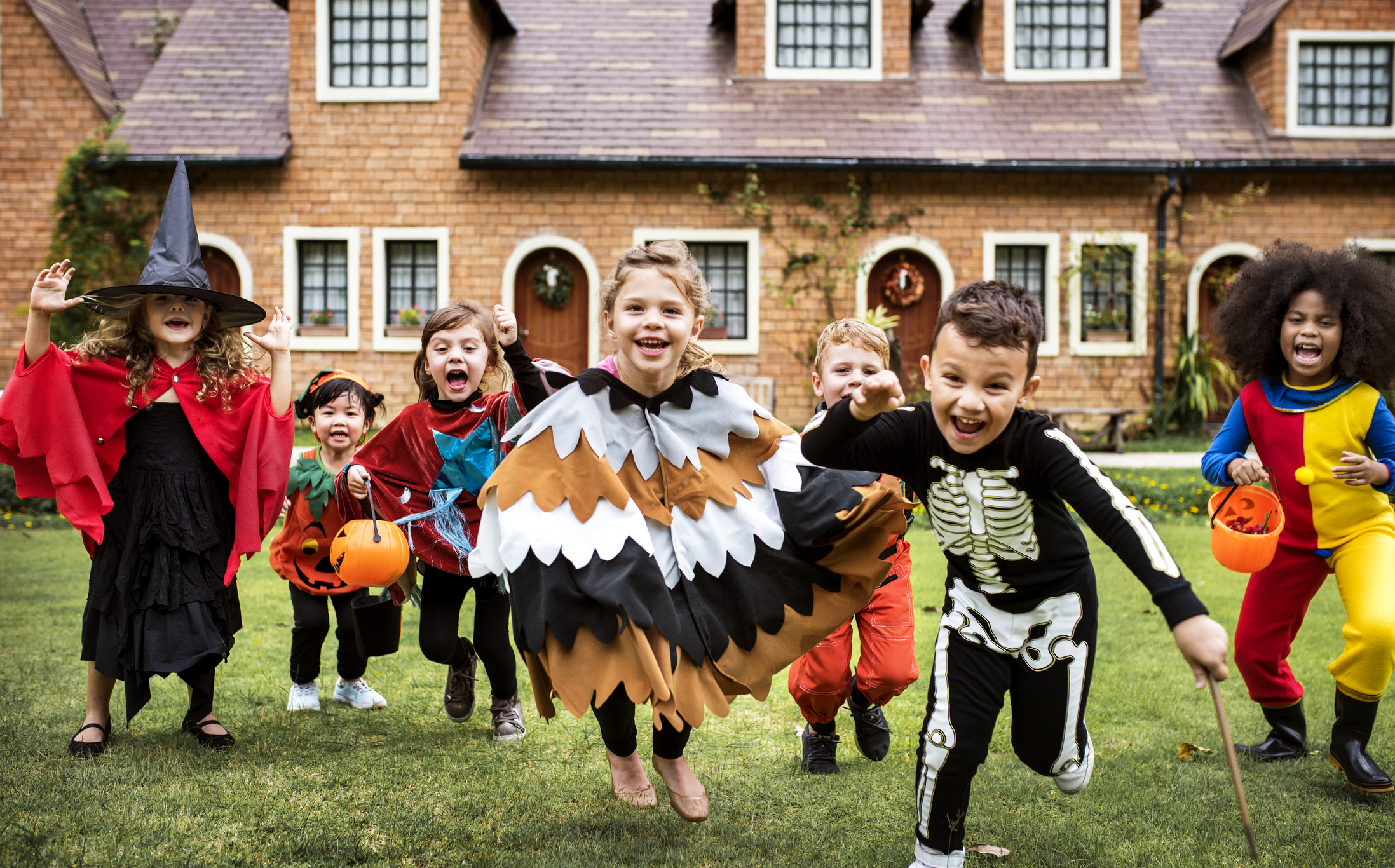 22 Halloween party themes