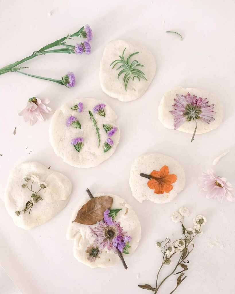 This DIY modeling dough with flowers makes a cool nature crafts for kids.