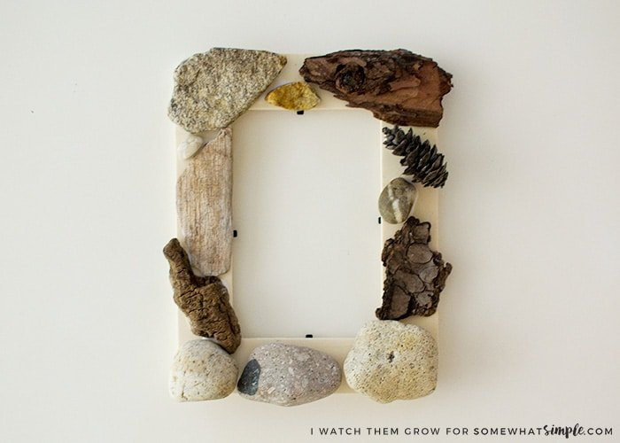 This nature walk picture frame makes a cool nature crafts for kids.