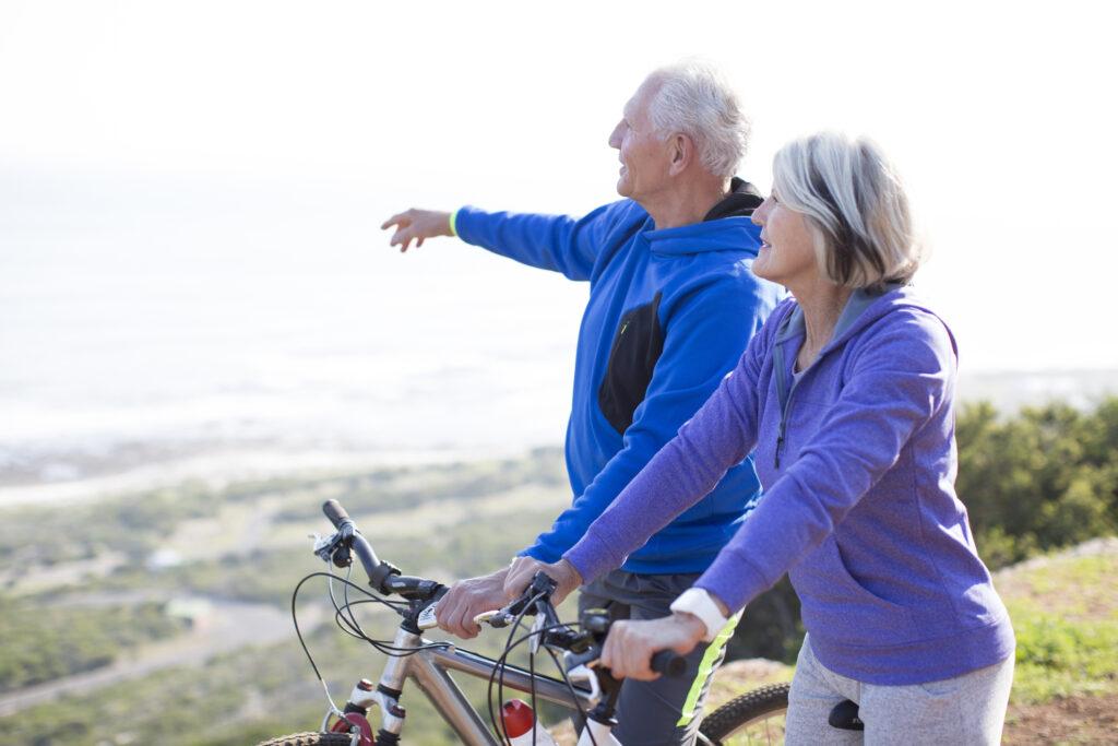 Active boomer couple exercising
