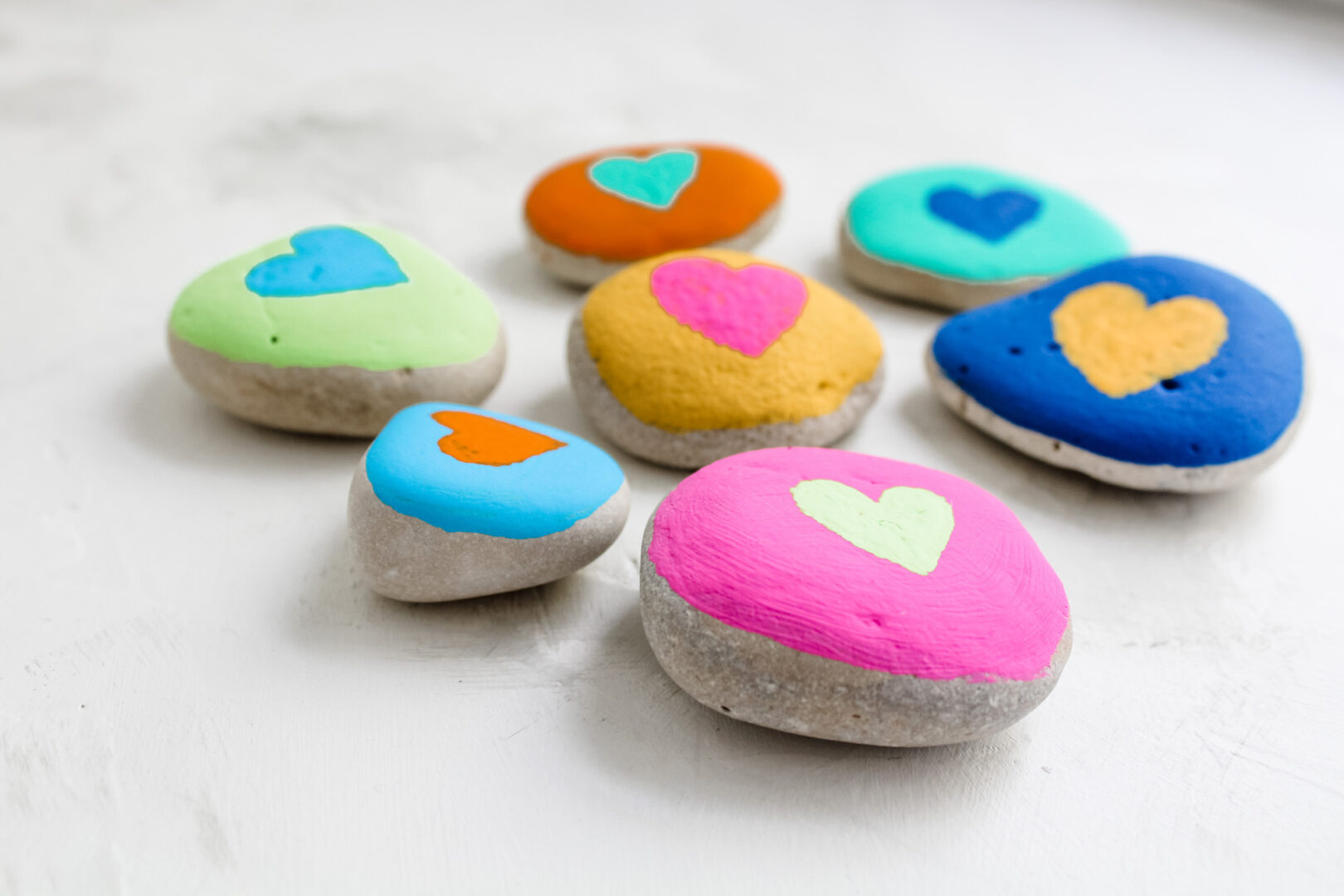 Kids can paint love rocks in celebration of the Rosh Hashanah and Yom Kippur holidays.